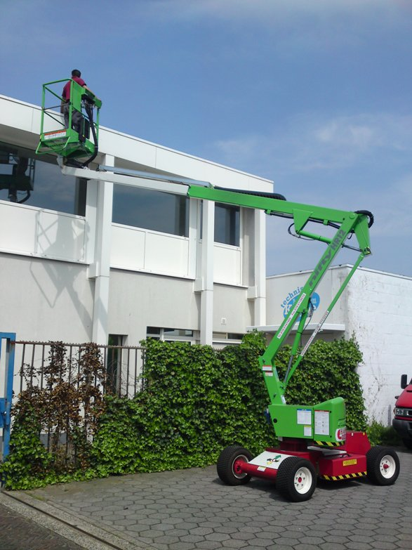 Hire a Niftylift HR12 boom lift in Sussex, Surrey, London, Hampshire, Kent, Dorset
