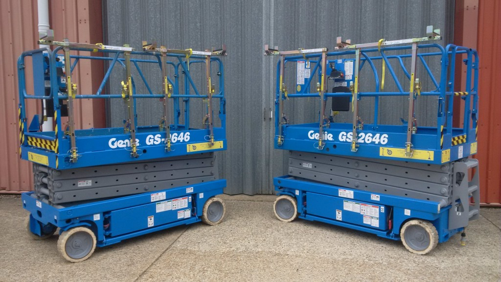 Two Genie GS2646 scissor lifts with the revolutionary DRXmulti® with pipe rack