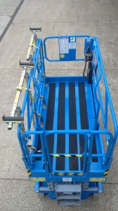DRXmulti™ with pipe rack fitted to Genie scissor lift